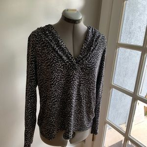 Talbots black/white patterned long sleeve top, XL
